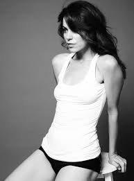 Courtney Henggeler  nackt