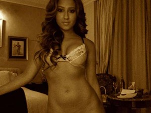 hot-wwe-adrienne-bailon-uncensored-naked-pics-rose