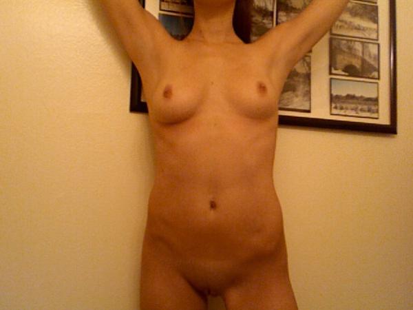 Ashley Greene Naked (3 Photos)