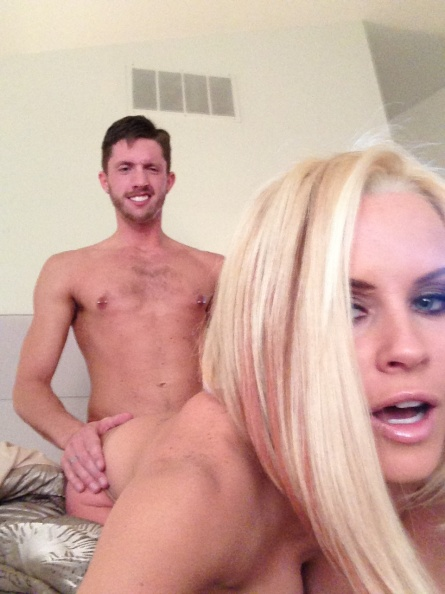 Jenny McCarthy Naked Leaked The Fappening (14 Photos)