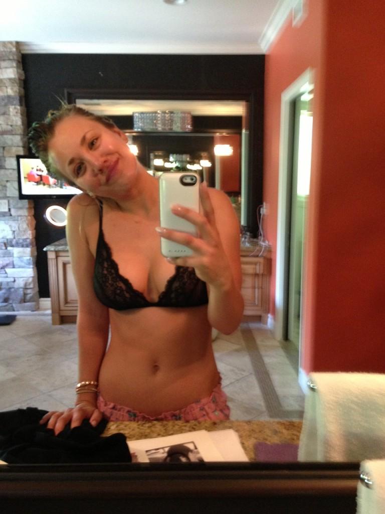 Kaley Cuoco Naked Leaked 08
