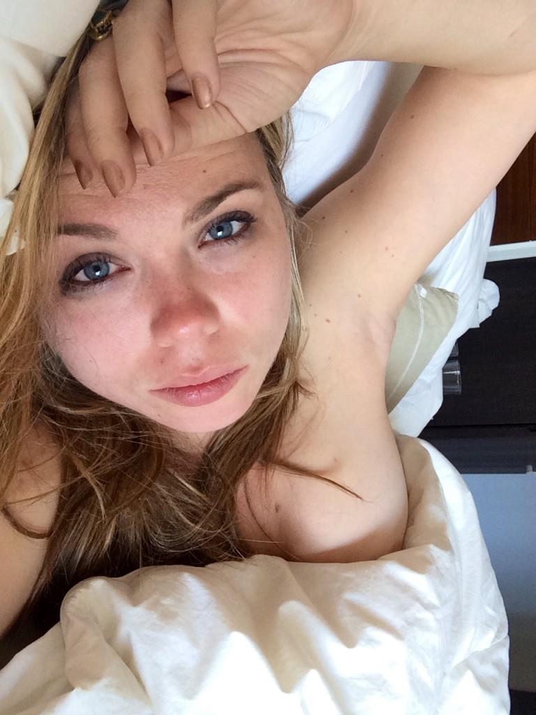 Amanda Fuller Naked 01