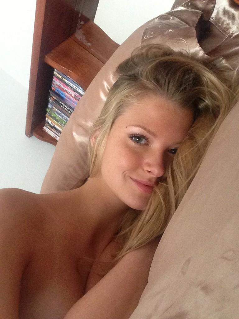 Erin Cummins Naked 049