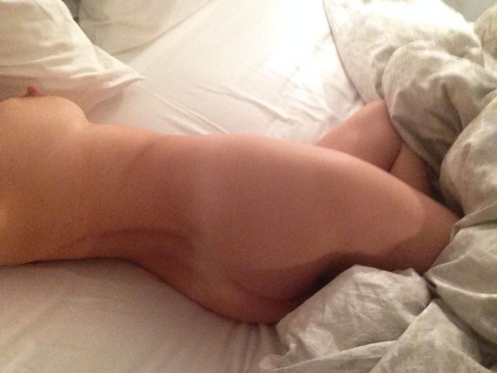 Kelly Brook Naked 19