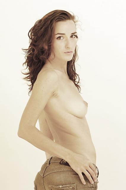 Salomé Stévenin Naked (21 Photos)
