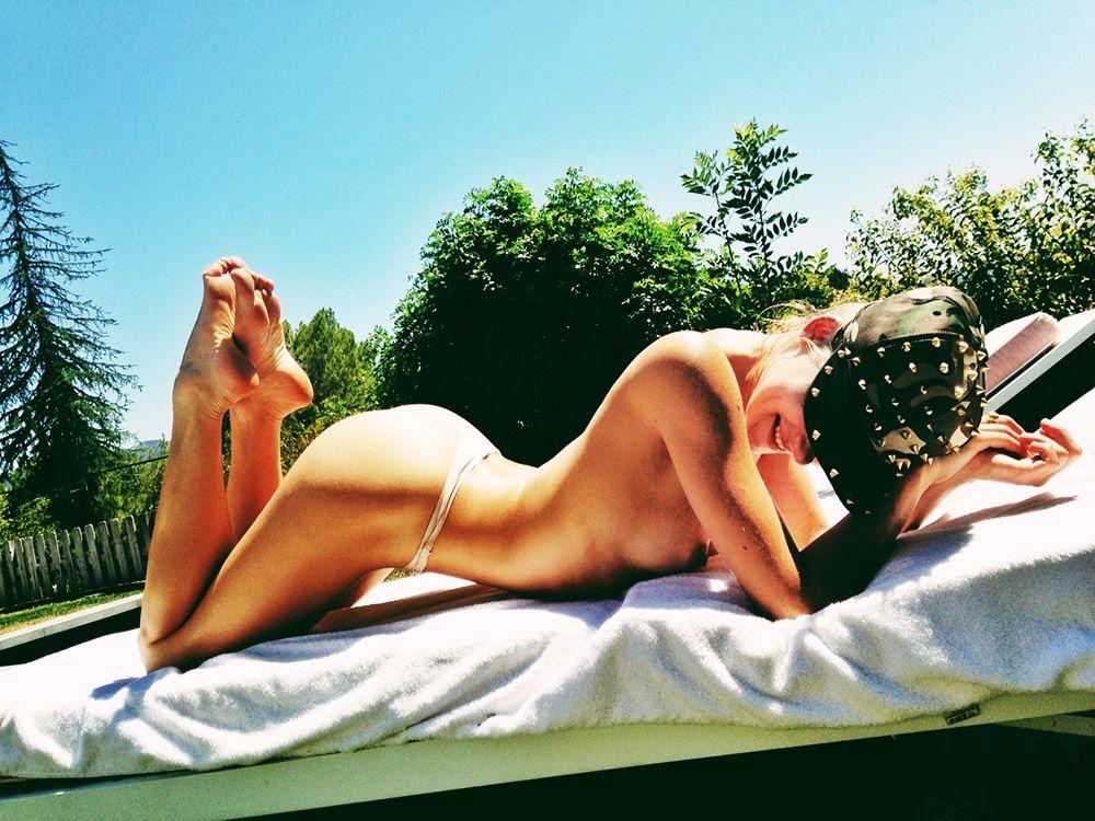 Allegra Carpenter Naked (98 Photos)