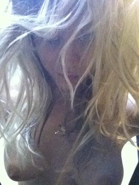 Kaley Cuoco Naked (8 New Photos)