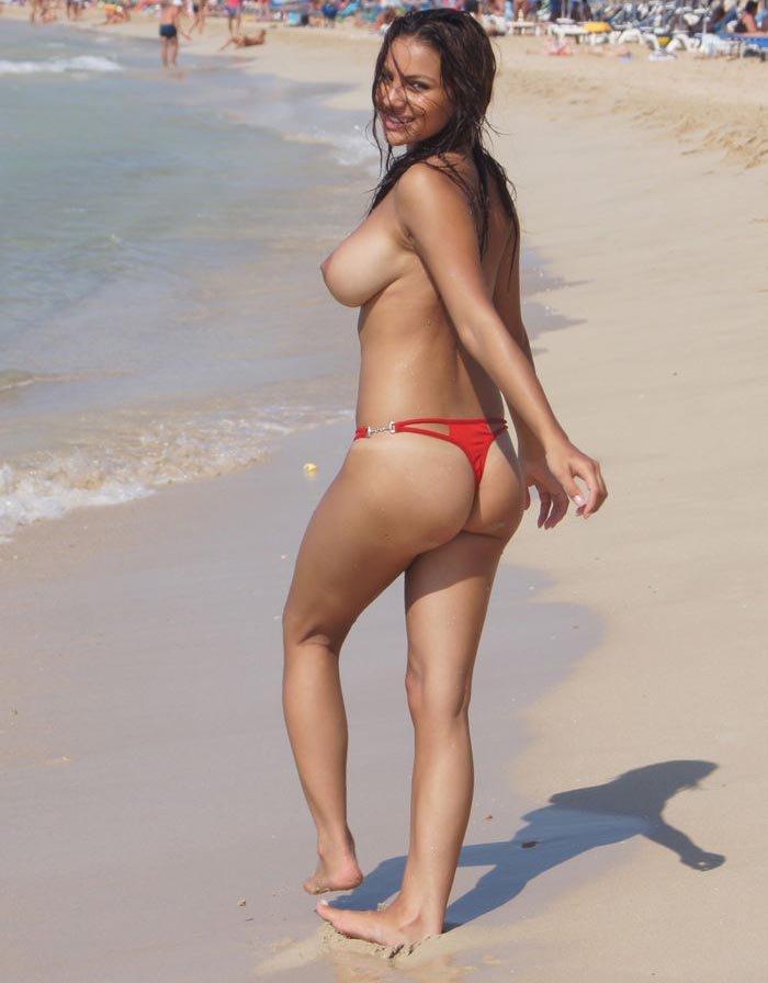 Lacey Banghard Naked (7 Photos)
