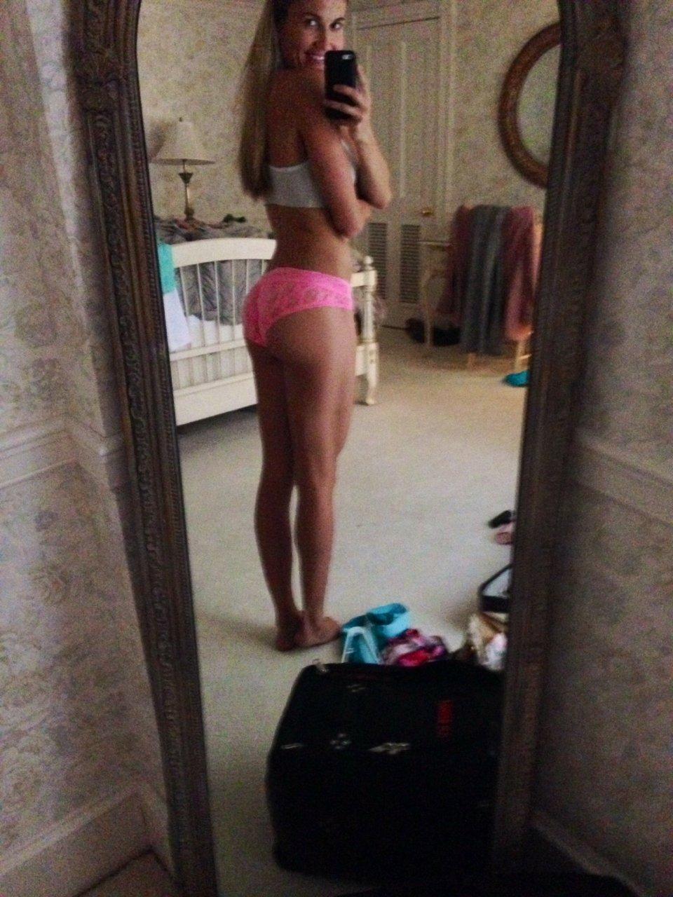Top Lindsay Clubine Bikini Videos,