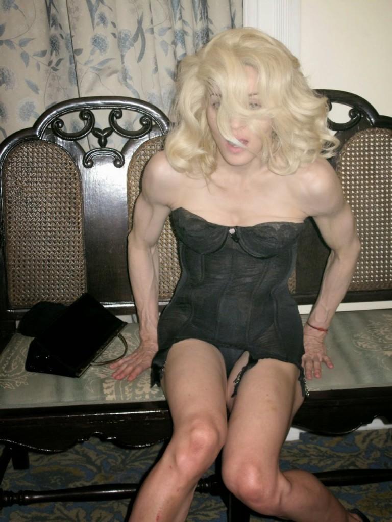Madonna Naked 005