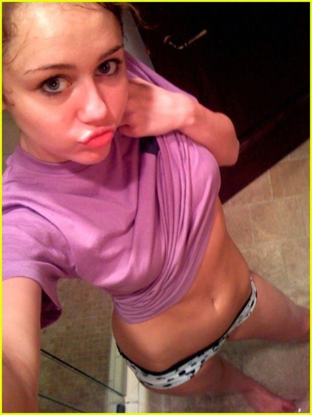 Miley Cyrus Leaked (17 Photos)
