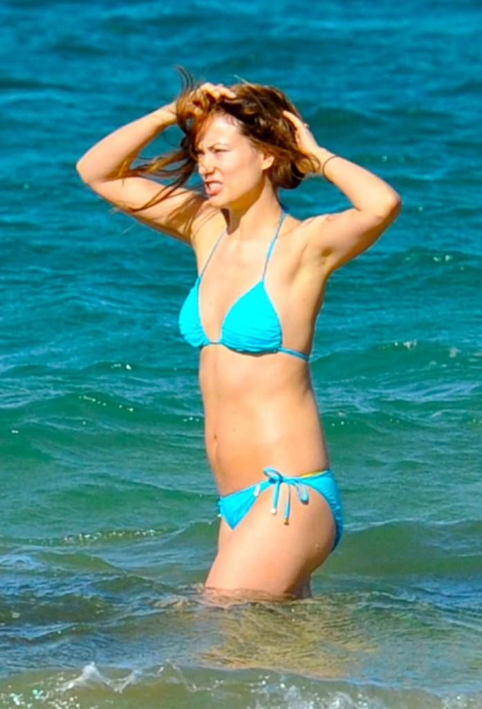 Olivia Wilde Cameltoe (10 Sexy Photos)