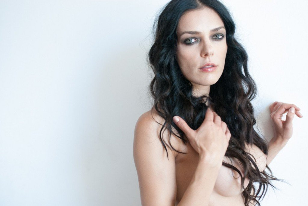 Adrianne Curry Naked 011