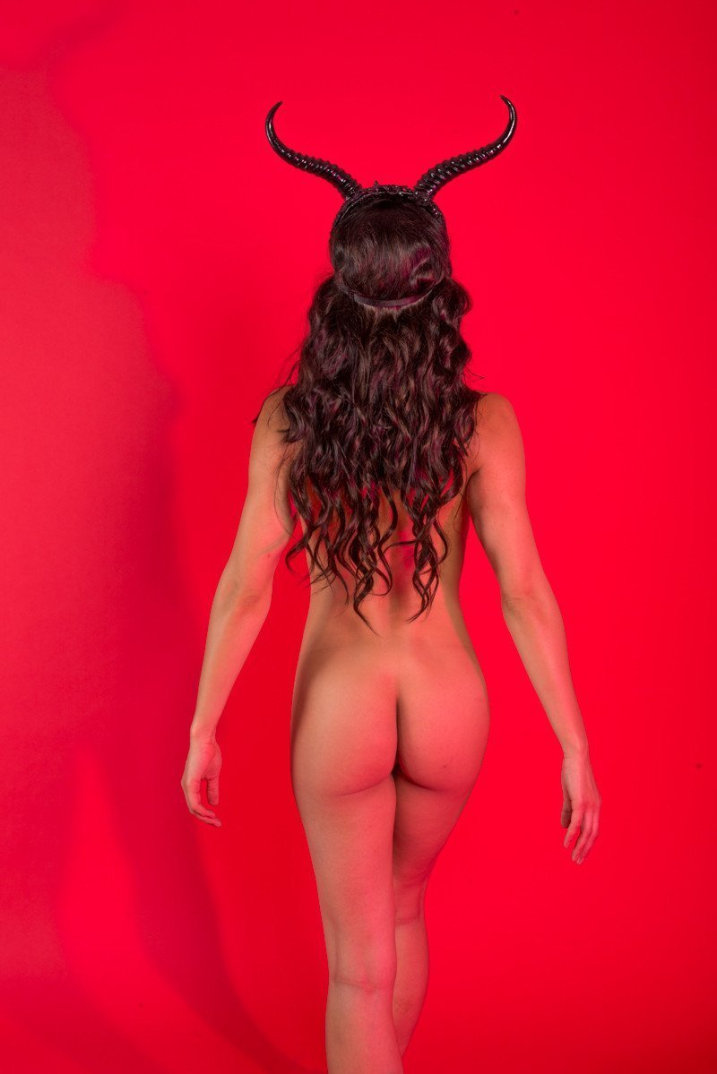 Pictures of adrianne curry naked
