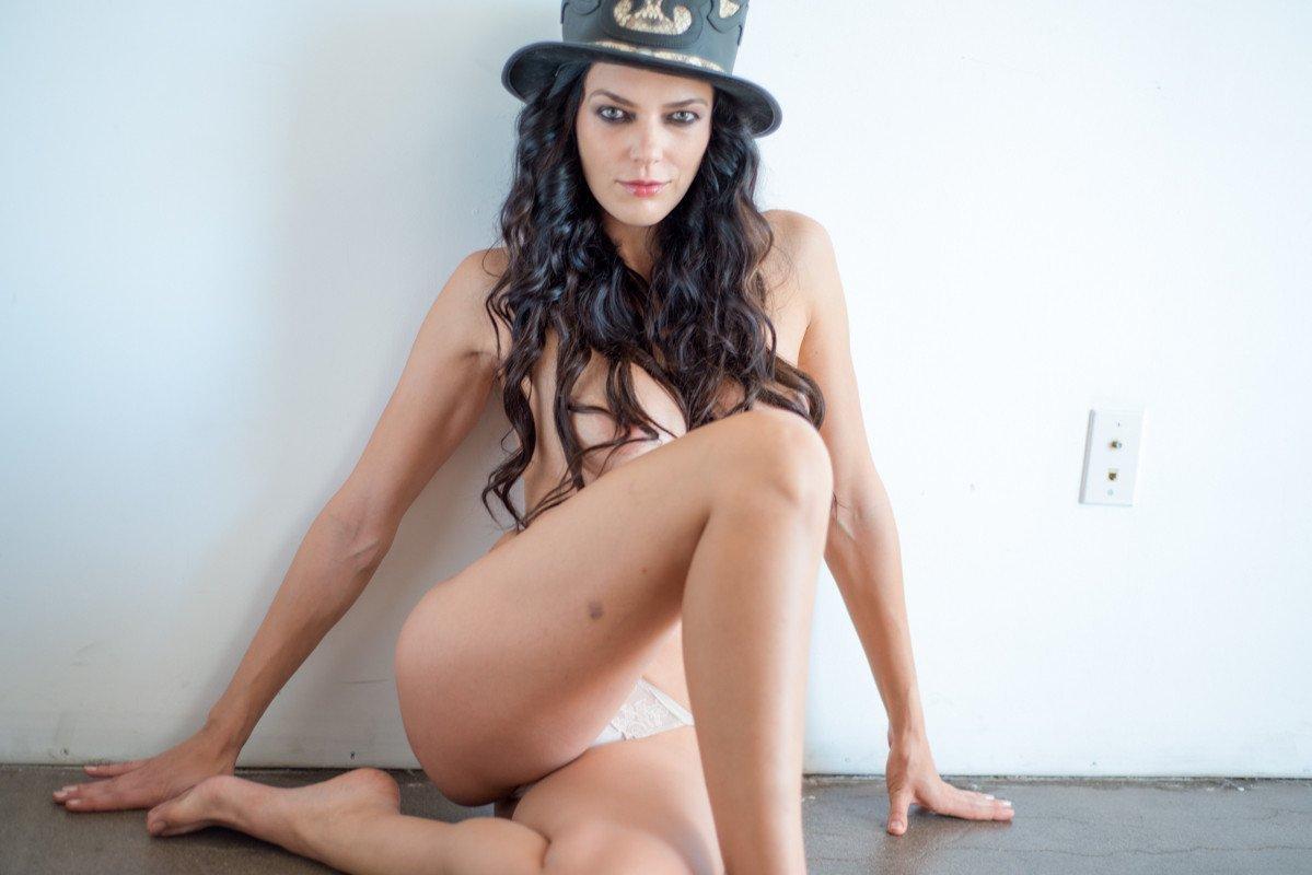 Adrianne curry nude selfies