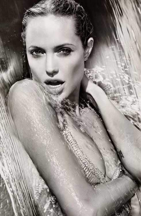 Angelina Jolie Naked 25