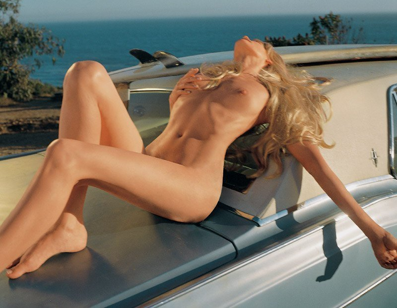 Daryl Hannah Naked in Playboy 2003 (8 Photos)