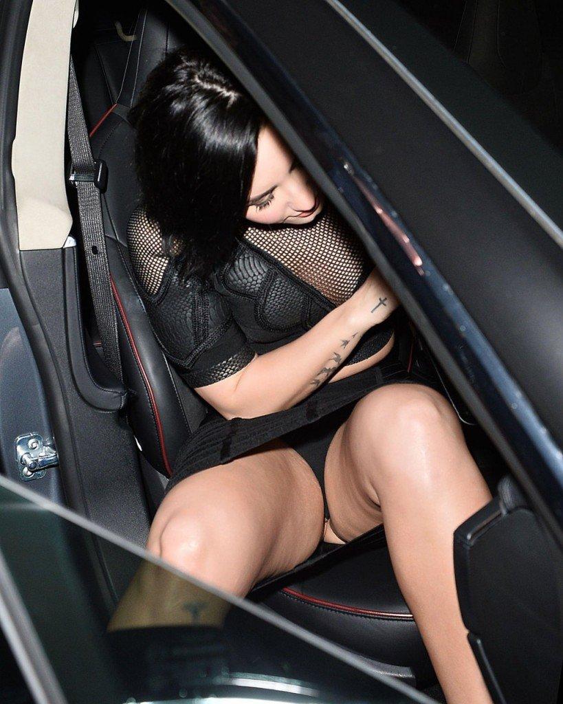 Demi Lovato Pussy (7 Photos)