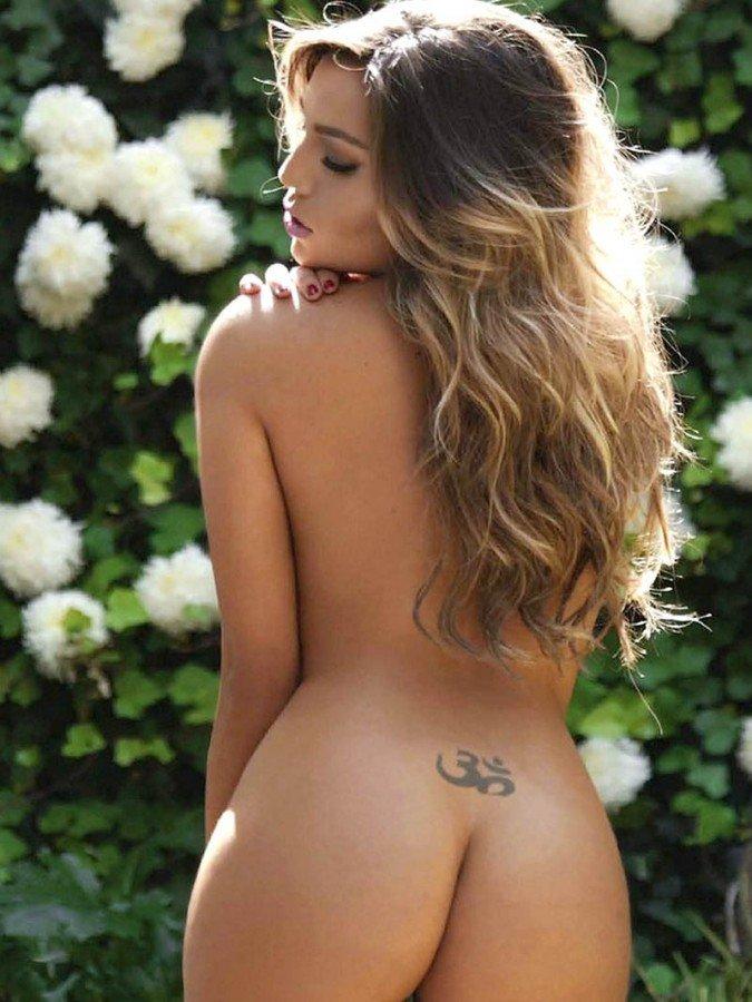 Frida Sofia Naked 02