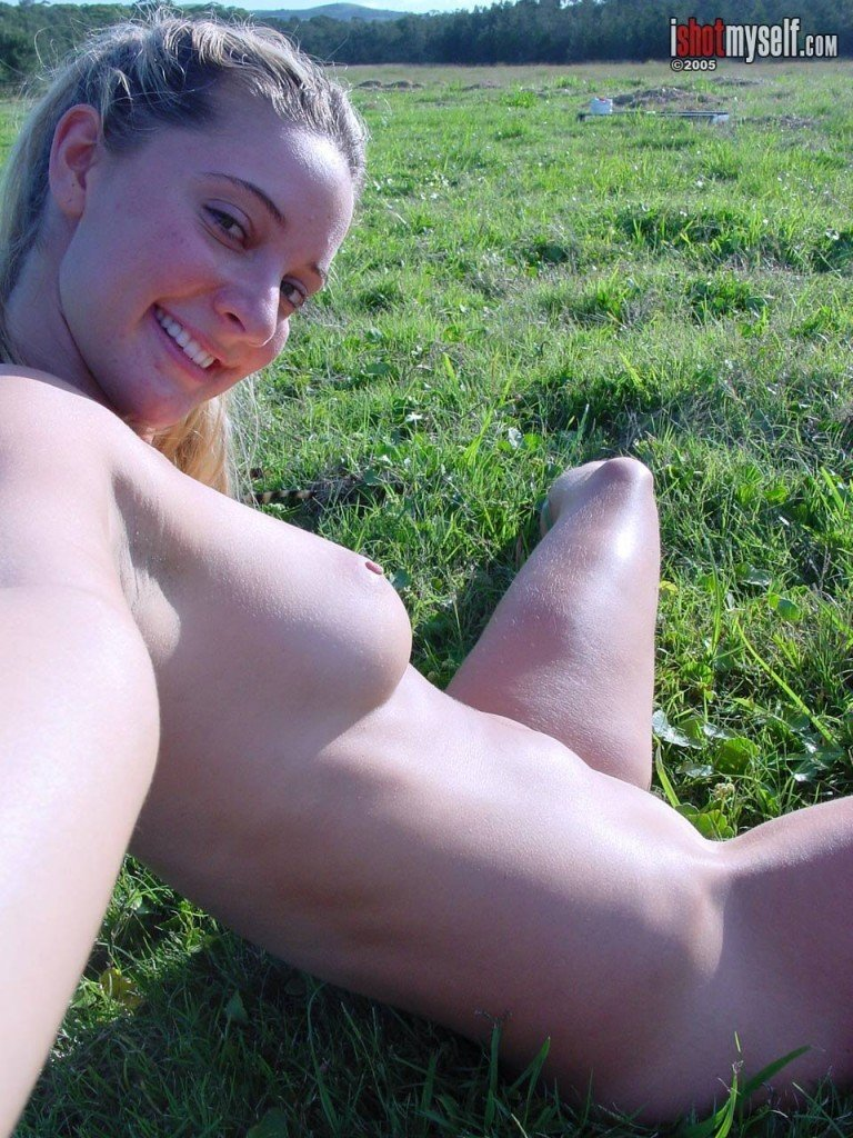 Hermione Way Naked 052