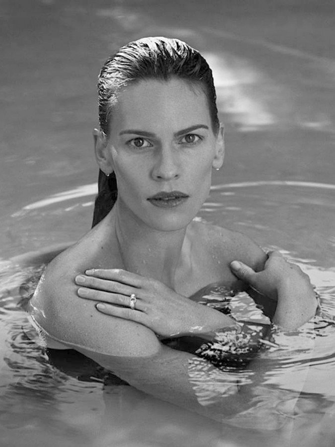 hilary-swank-and-angelie-jolie-naked