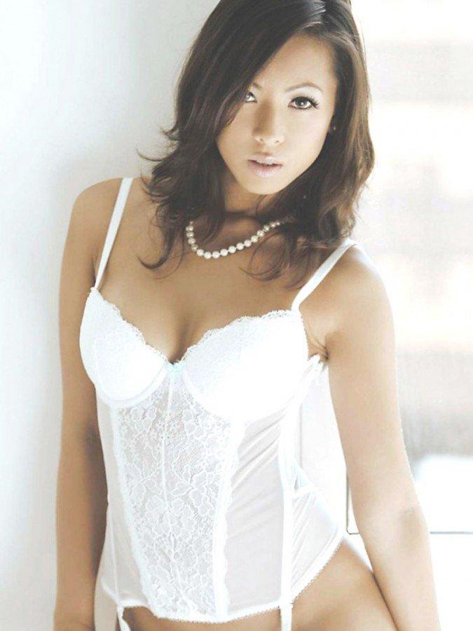 Jestina Lam Naked 02