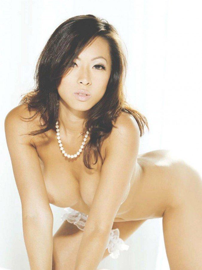 Jestina Lam Naked 08