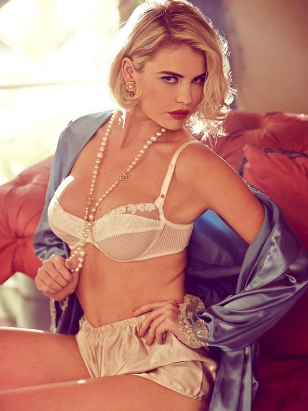 Kayslee Collins Naked (13 Photos)
