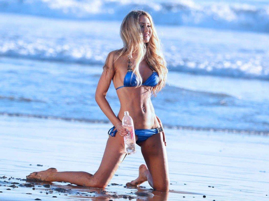 Kerrie McMahon Bikini 01