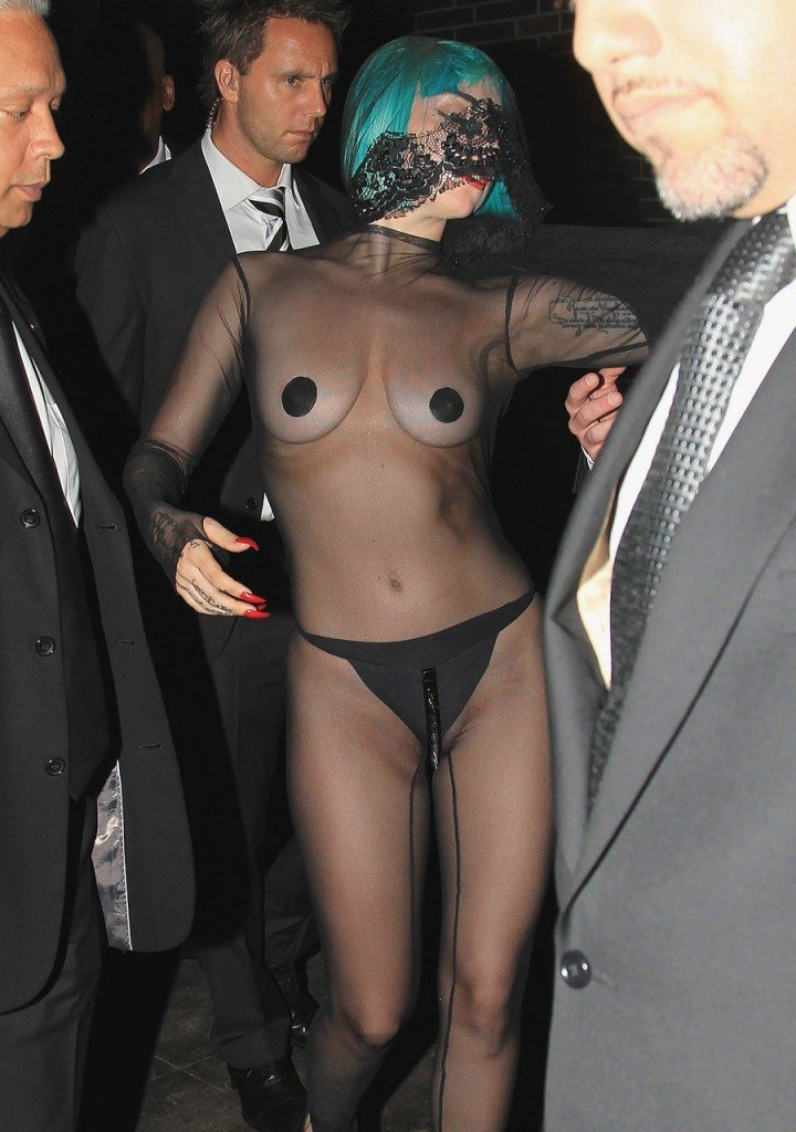 Lady Gaga Naked 013