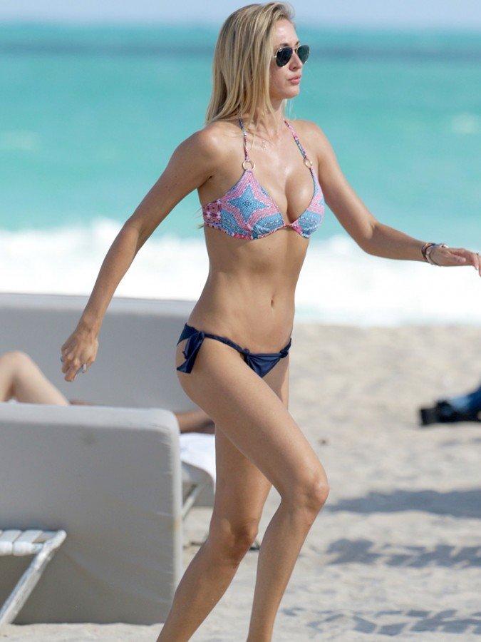Lauren Stoner Bikini 06