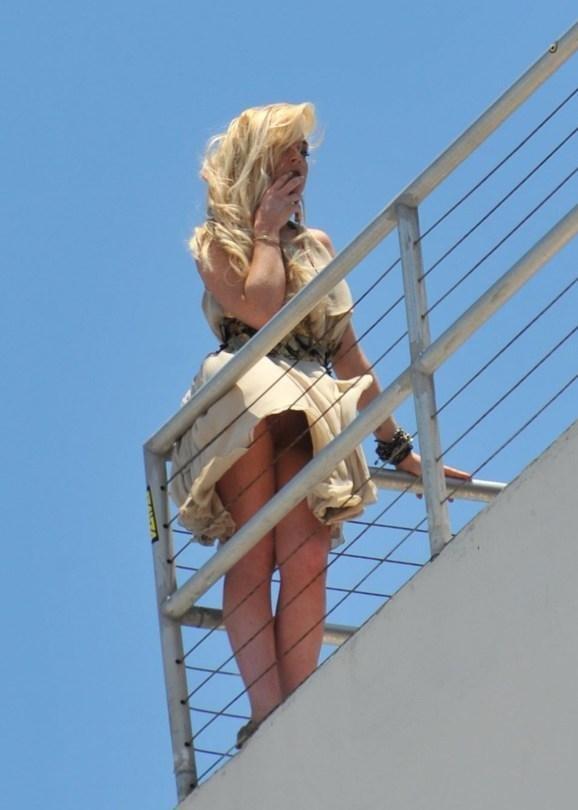 Lindsay Lohan Up Skirt 59