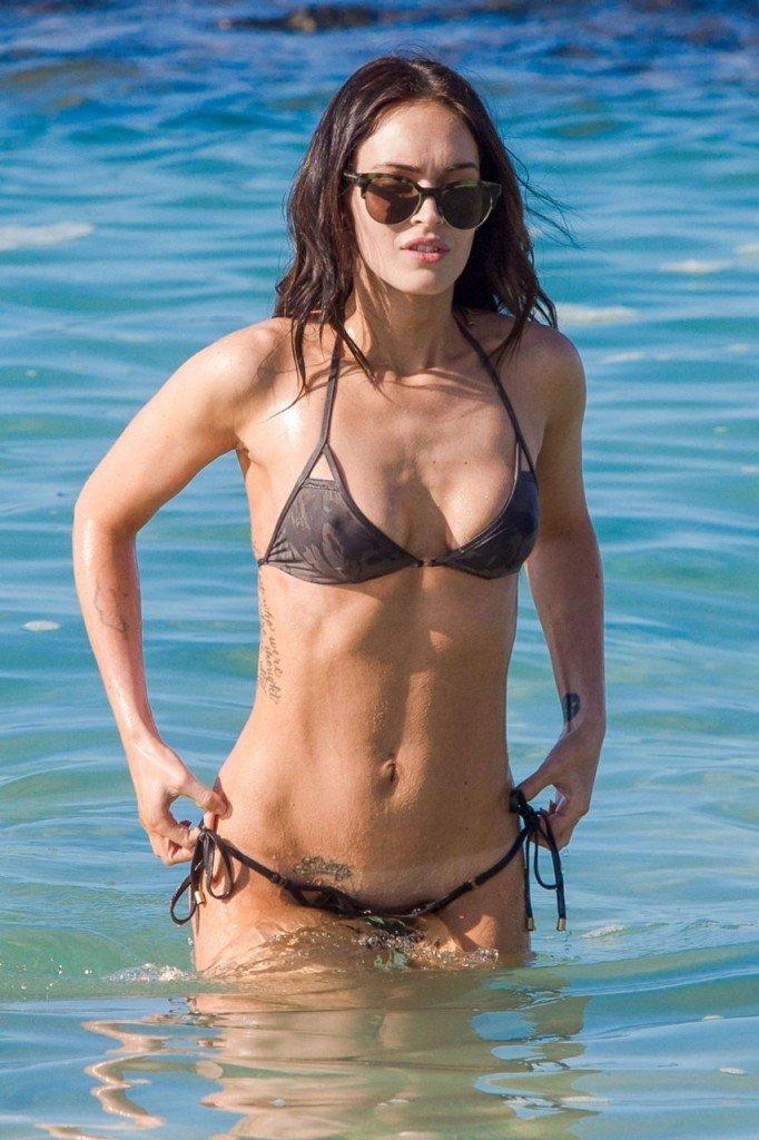Megan Fox Cameltoe in Bikini 04