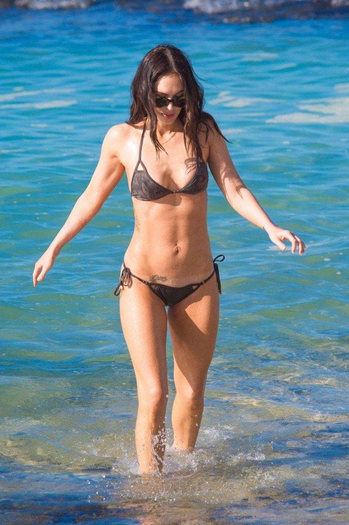 Megan Fox Cameltoe in Bikini 20