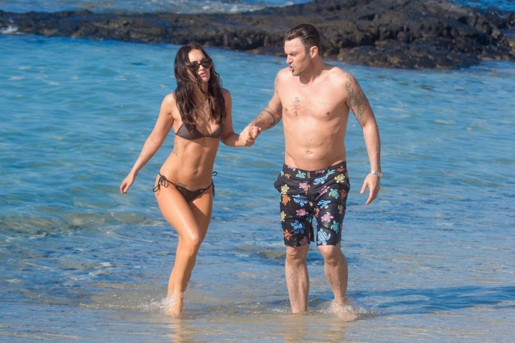 Megan Fox Cameltoe in Bikini 39
