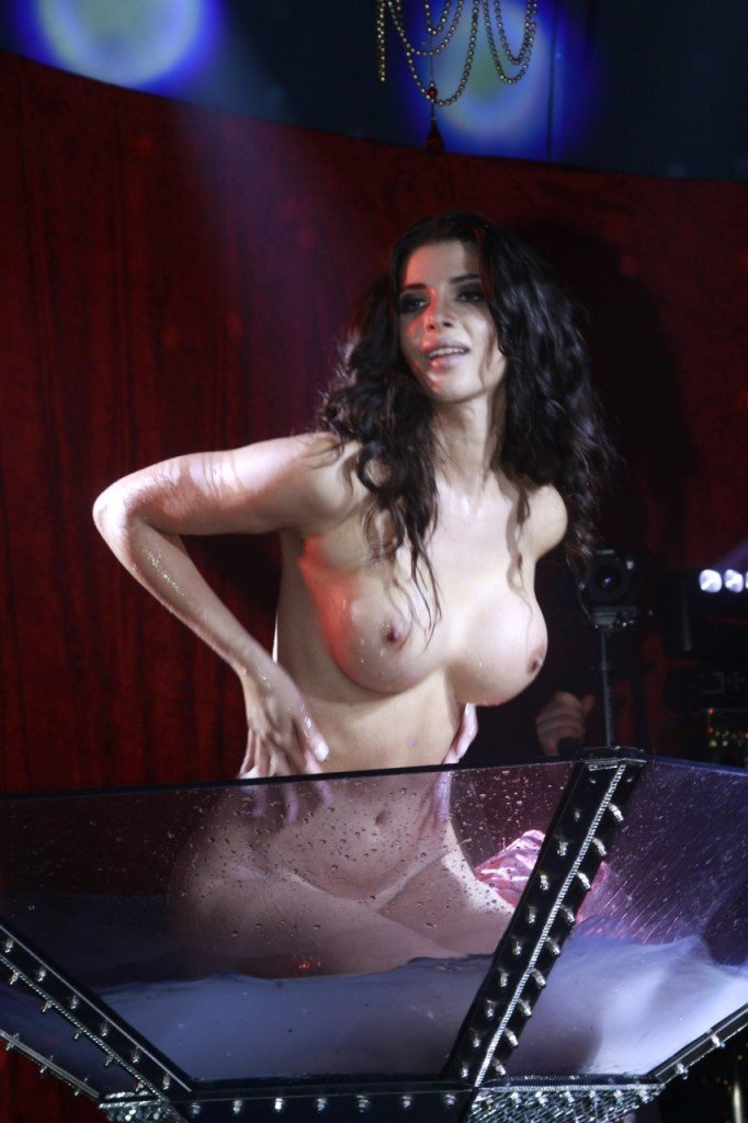 Micaela Schafer Naked 05