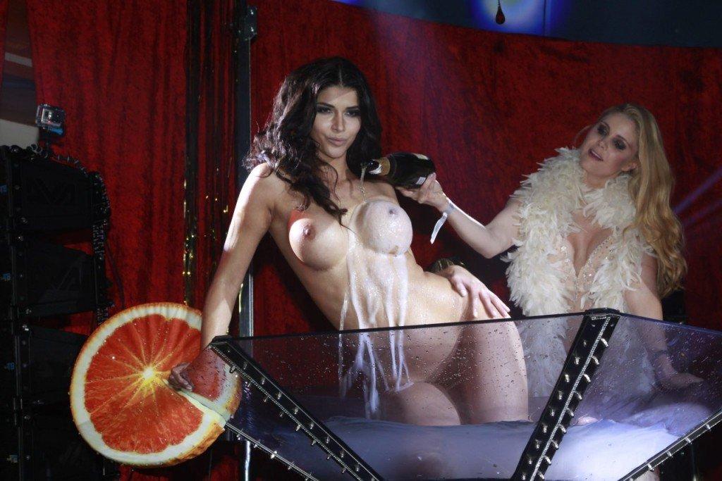 Micaela Schafer Naked 09