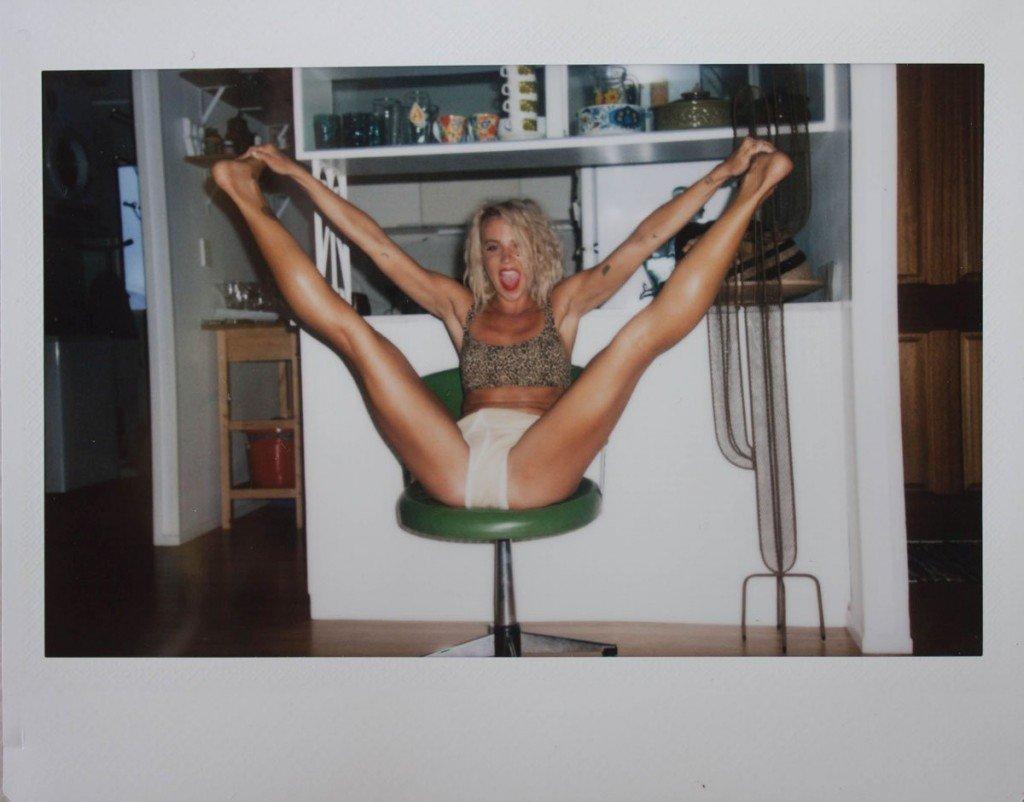 Sally Mustang Naked 04