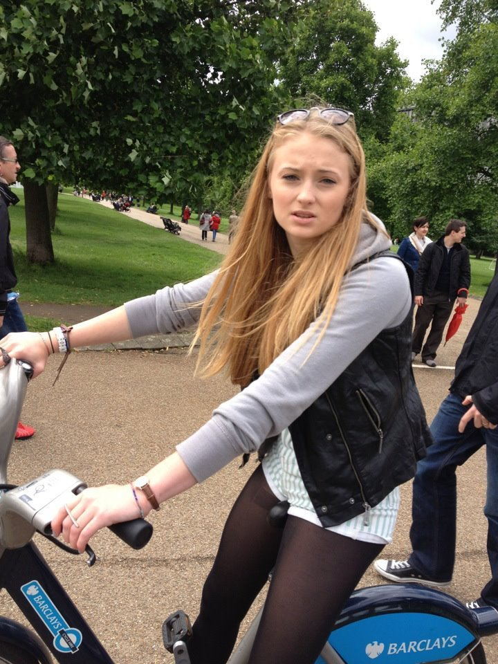 Sophie Turner Leaked (20 New Photos)   #TheFappening