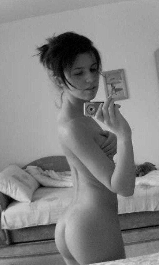 Stanija Dobrojevic Naked (30 Photos)