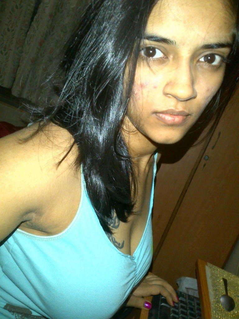 geetha geethu on Twitter: Come da im too hott http://t.co