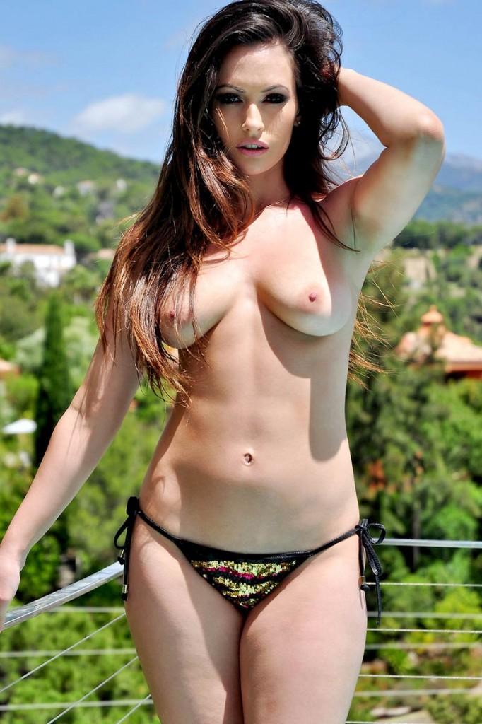 Anastasia Harris Topless 00