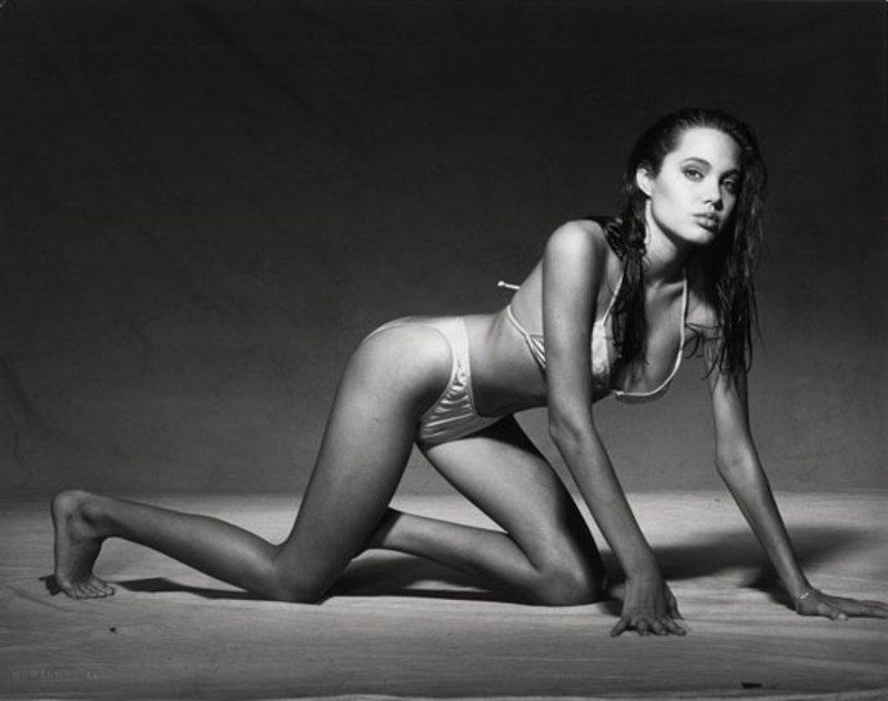 Angelina Jolie Young in Bikini (28 Photos)