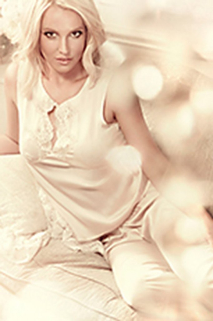 Britney Spears in Lingerie (11 New Photos)