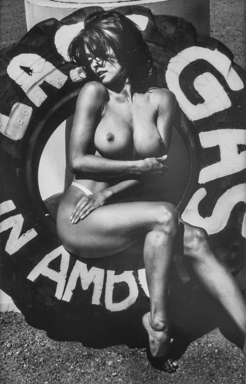 Brooke Burke Topless Nude 10