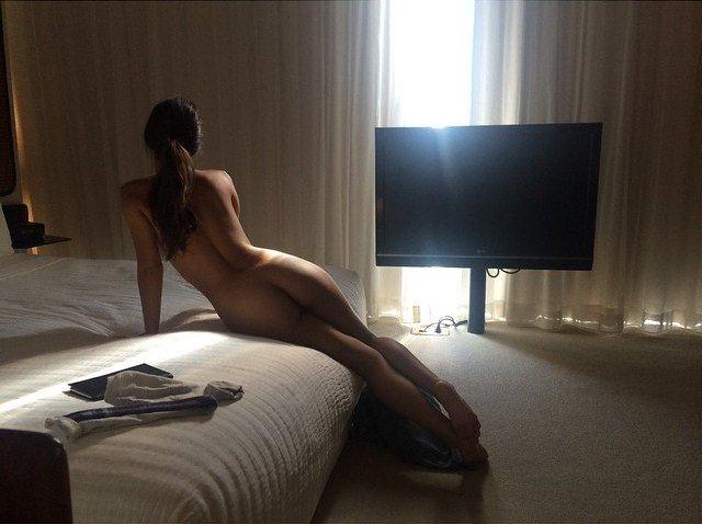 caitlin stasey naked