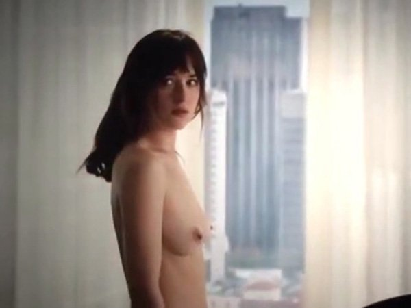 dakota johnson naked