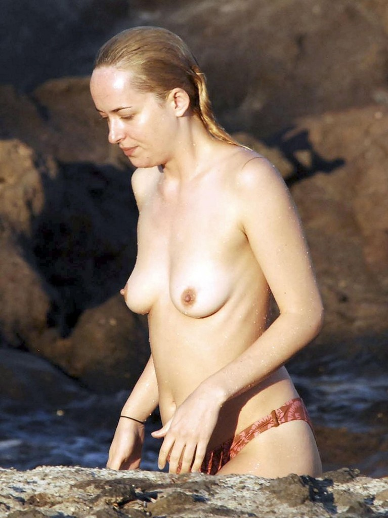 Dakota Johnson Topless 01