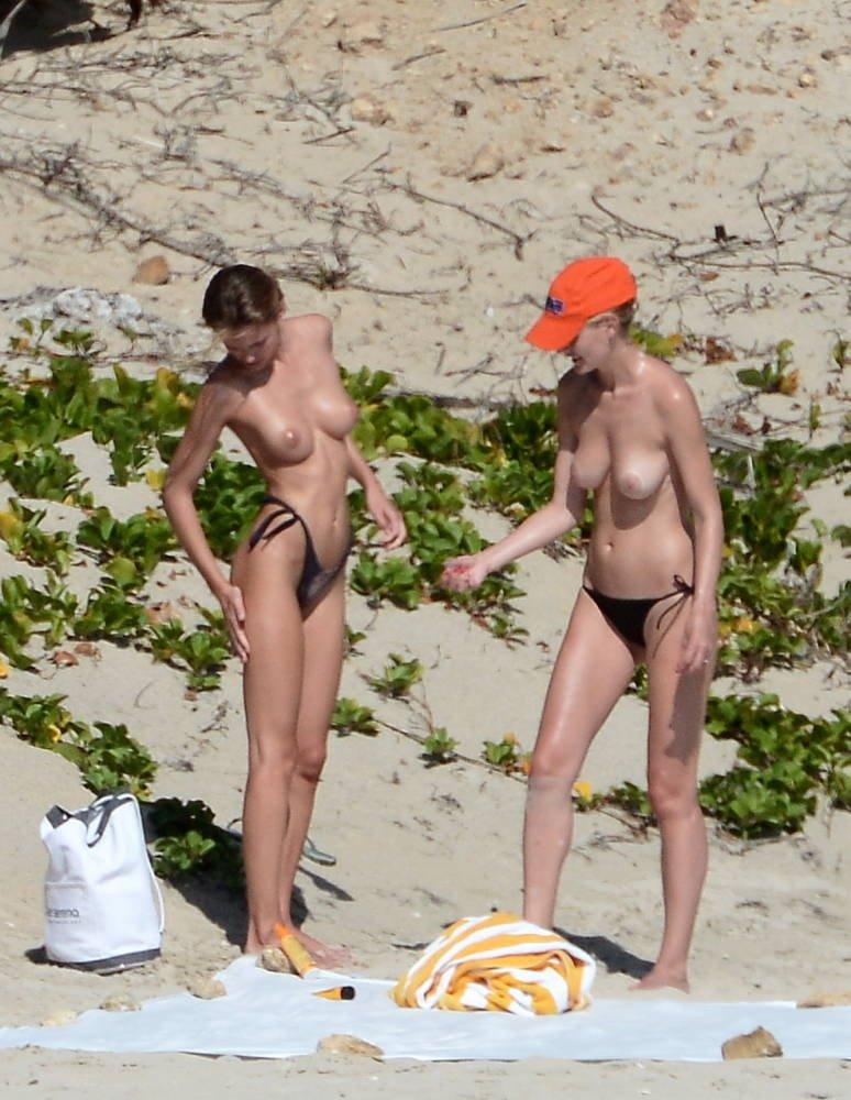 Edita Vilkeviciute Naked 02