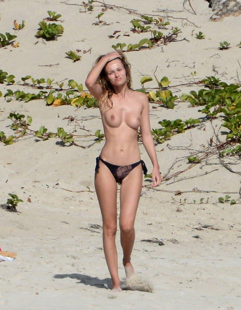 Todo lo mejor: Zhang Ziyi desnuda en la playa